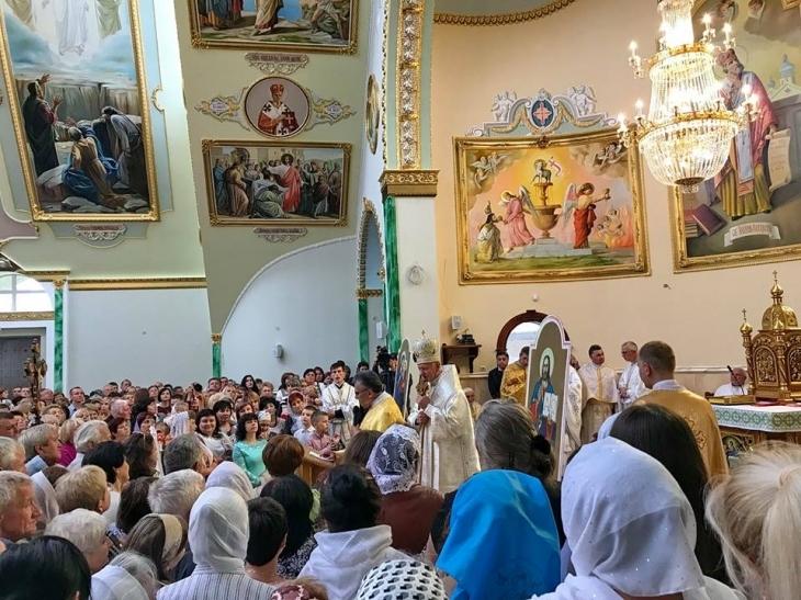 У Франківську відкрили храм – мера і секретаря міськради нагородили подяками Папи Римського. ФОТО 4