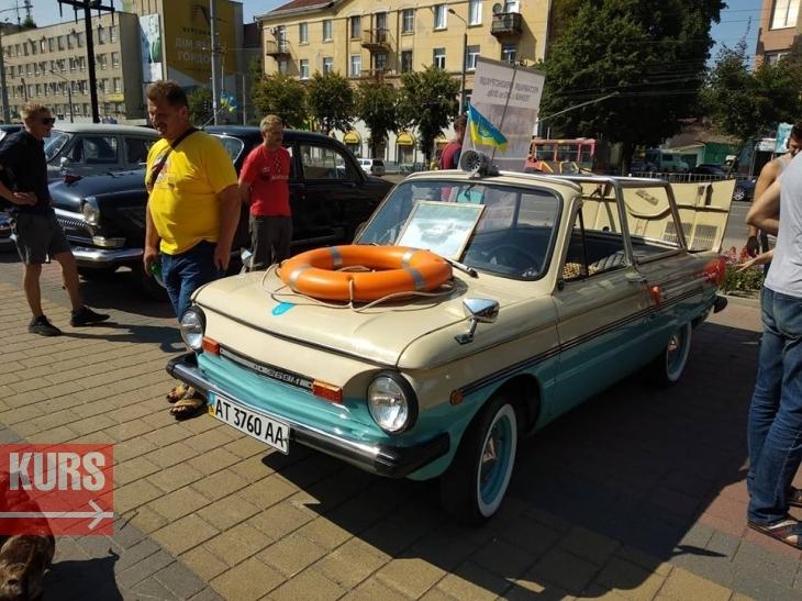 В Івано-Франківську показали унікальну машину-амфібію. ФОТО 2