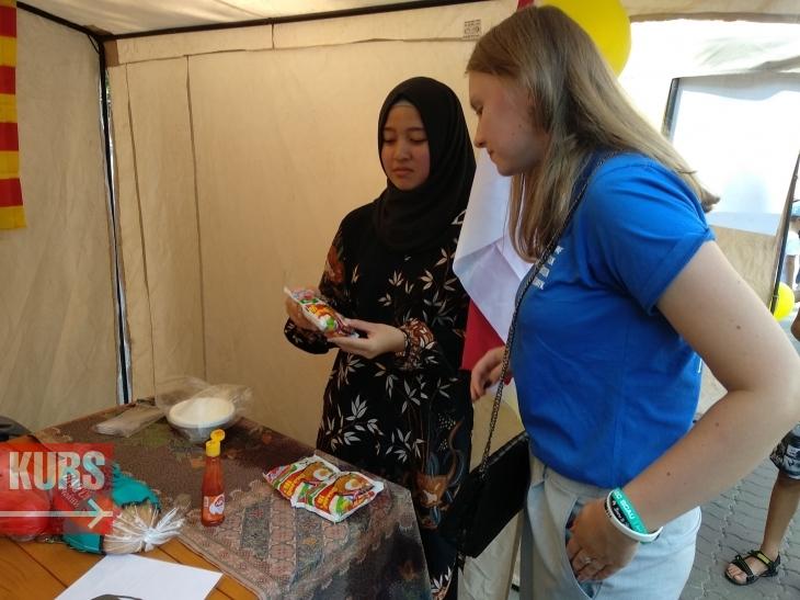 Турецькі солодощі, китайська їжа та єгипетські запальні танці – у Франківську стартував міжнародний фестиваль культур. ФОТО 12