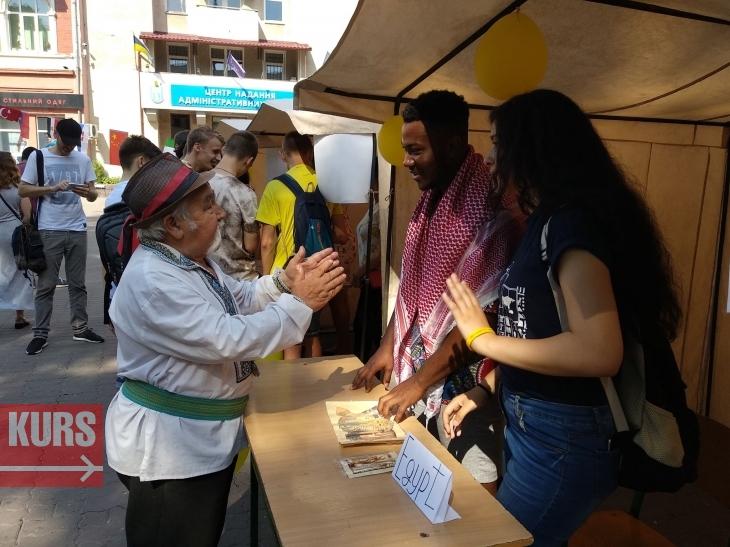 Турецькі солодощі, китайська їжа та єгипетські запальні танці – у Франківську стартував міжнародний фестиваль культур. ФОТО 10