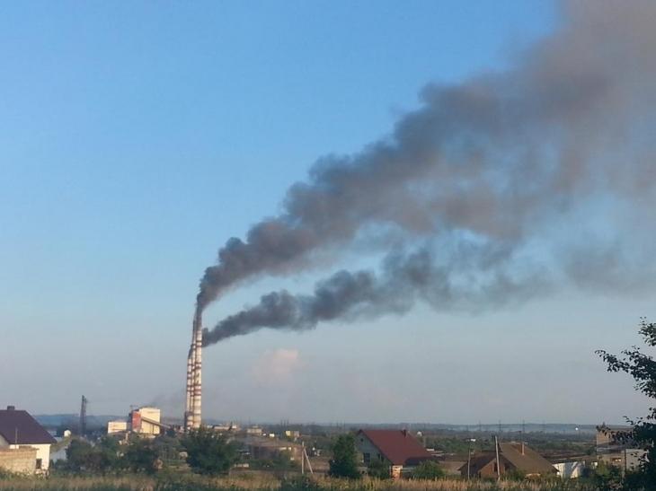 Прикарпатець створив першу в Україні громадську систему моніторингу шкідливих викидів у повітря (відео)