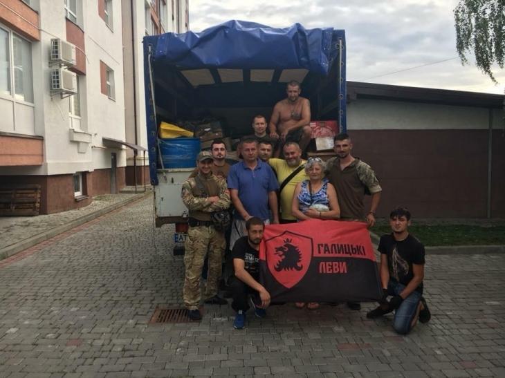 Прикарпатські ветерани з гостинцями провідали побратимів на лінії вогню (фоторепортаж)
