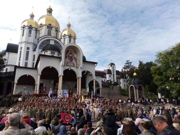 Франківські льотчики взяли участь у військовому паломництві в Зарваниці (фоторепортаж)