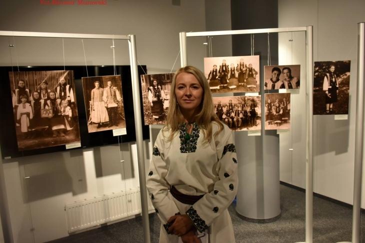 До експозиції увійшли унікальні фото з родинних альбомів місцевих  мешканців. Найстарішим світлинам понад сто років. Виставку організував у  рамках Проекту ... 4c3252519bb50