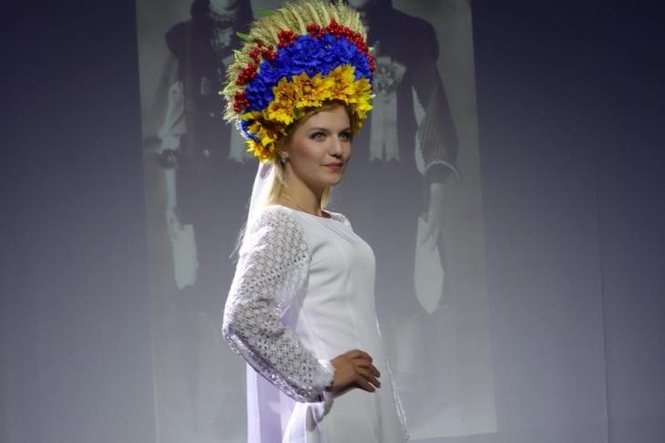 У Польщі показали етноодяг Гуцульщини ФОТО 97bb3227dfc00