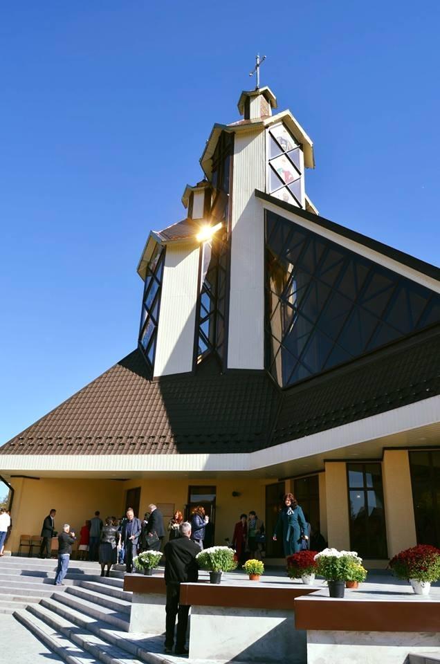 У Франківську відкрили оригінальний храм. ФОТО 2