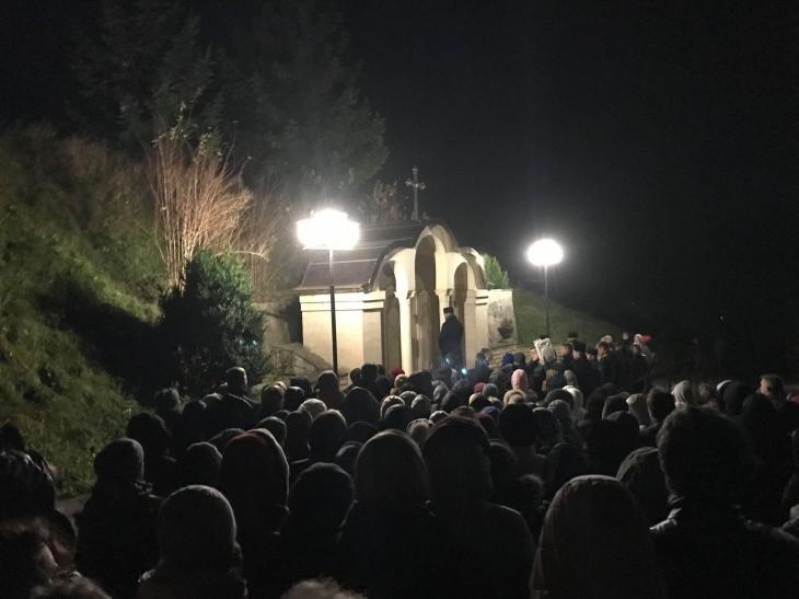 Молитви на оздоровлення: у Крилосі відбулися традиційні нічні чування (фоторепортаж)