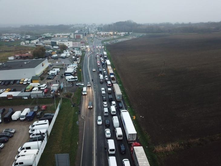 """Застава або розвертайся: """"євробляхарі"""" заблокували митні переходи на західному кордоні, палять шини. ФОТО, ВІДЕО 2"""