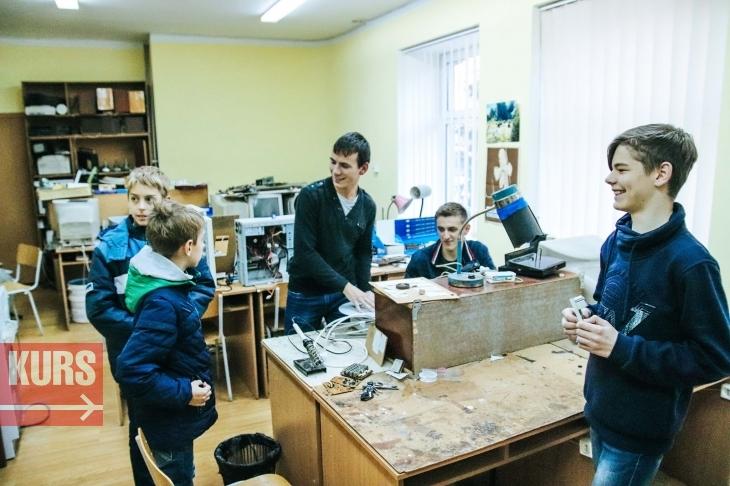 Франківські школярі зробили пристрій, який вимірює рівень забруднення повітря. ФОТО 2
