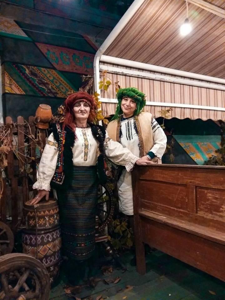 """Парад колядників і карнавал """"пенсіонерів"""": як запалити святкові вихідні у Франківську 6"""