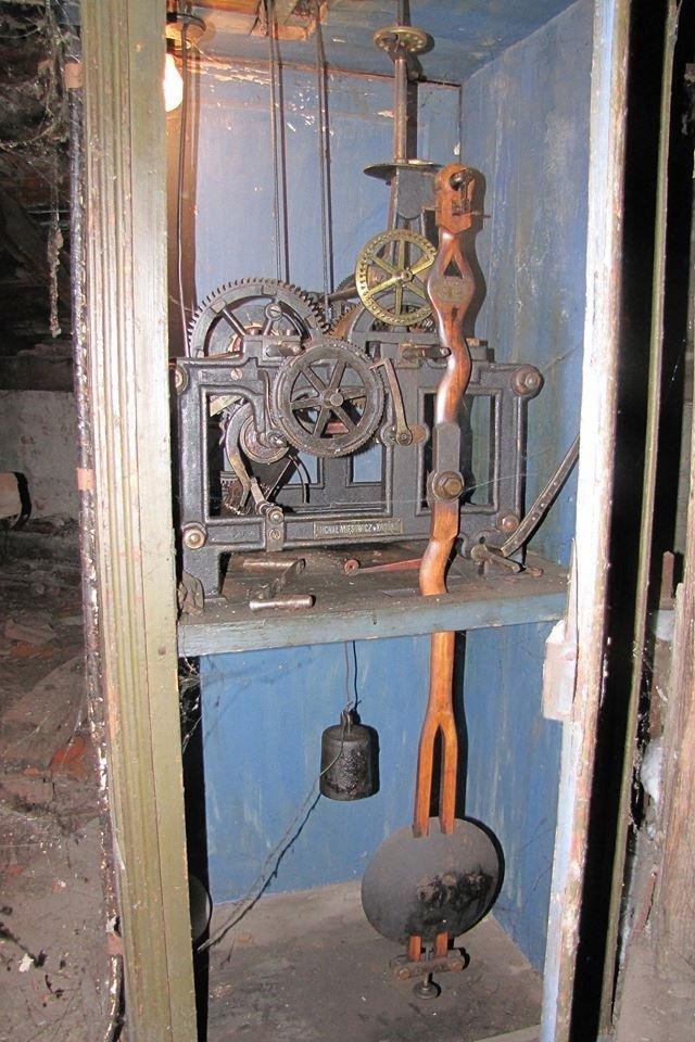 """На вежі """"старої"""" ратуші в Калуші зберігся унікальний годинник. ФОТО 4"""