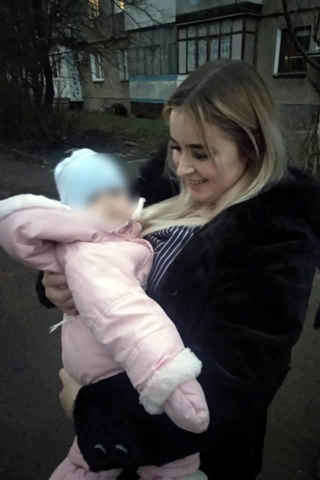У Франківську госпіталізували однорічну дитину, яку правоохоронці забрали у п