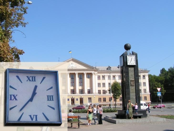 Два вуличні годинники встановлять у Франківську 2