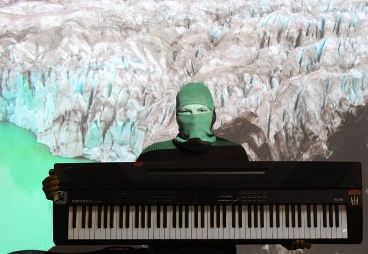 У Франківську презентував свій перший альбом легендарний Піаніст Майдану (фоторепортаж)
