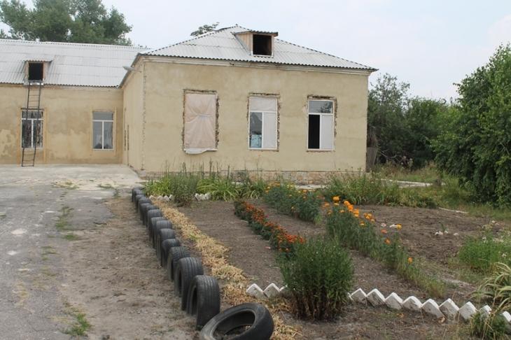 Прифронтові школи Красногорівки: п'ять в одній 7