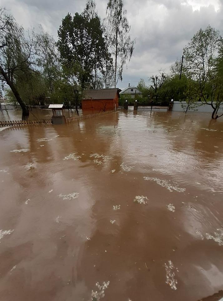 """Після зливи Богородчанщину топить – в Саджаві """"пливуть"""" хати і зносить мости. ФОТО, ВІДЕО 1"""