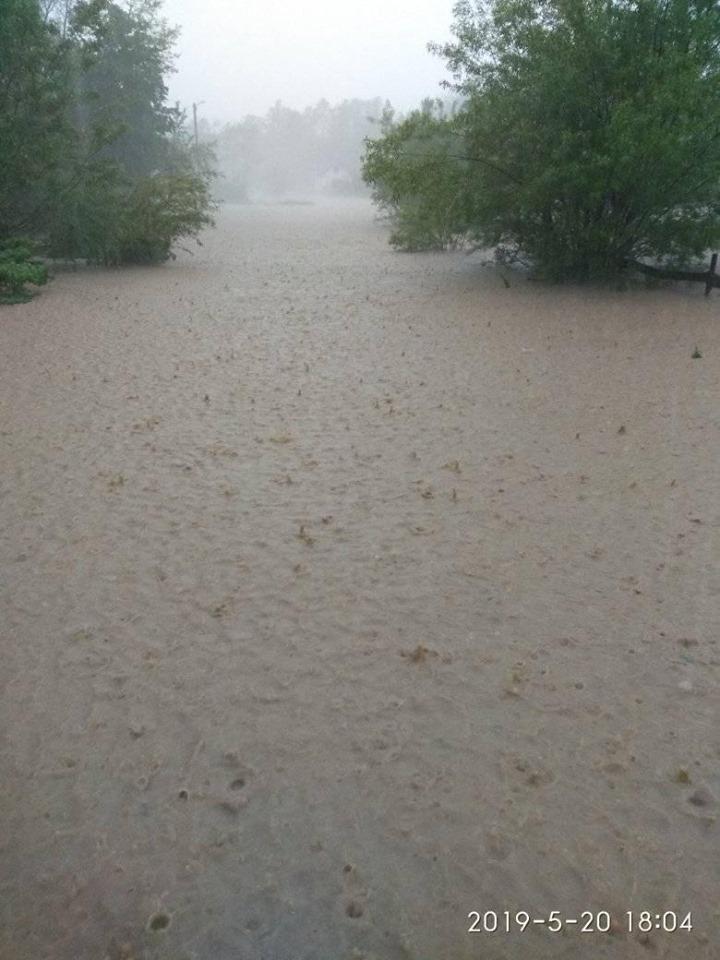 """Після зливи Богородчанщину топить – в Саджаві """"пливуть"""" хати і зносить мости. ФОТО, ВІДЕО 2"""