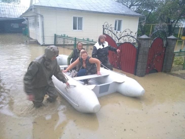 Потерпілі від повені на Прикарпатті не отримають відшкодування з держбюджету, – Зубко
