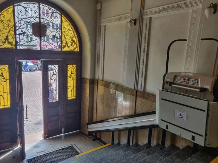 У франківський Будинок правосуддя повернули старовинні двері. ФОТО 2