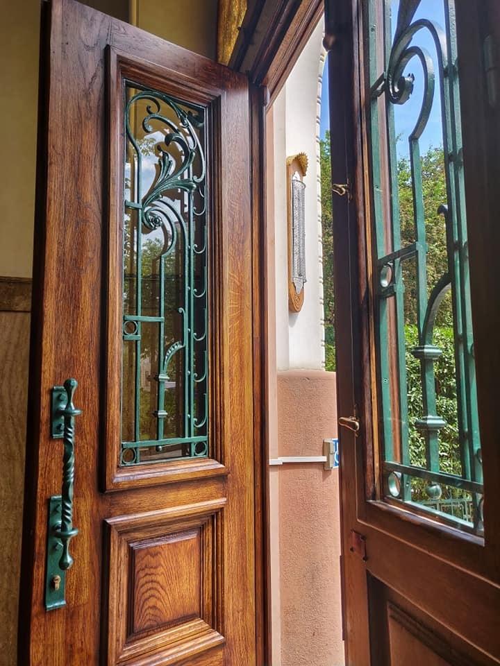 У франківський Будинок правосуддя повернули старовинні двері. ФОТО 1