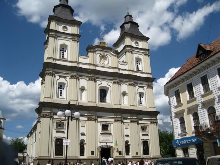 Кафедральный собор в городе Ивано-Франковск