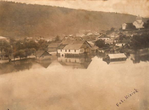 Паводок на Дністрі