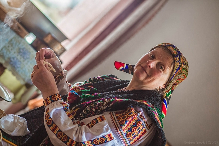 Гуцульський Великдень: як у Брустурах народжуються сирні коники і паски. ФОТО 1