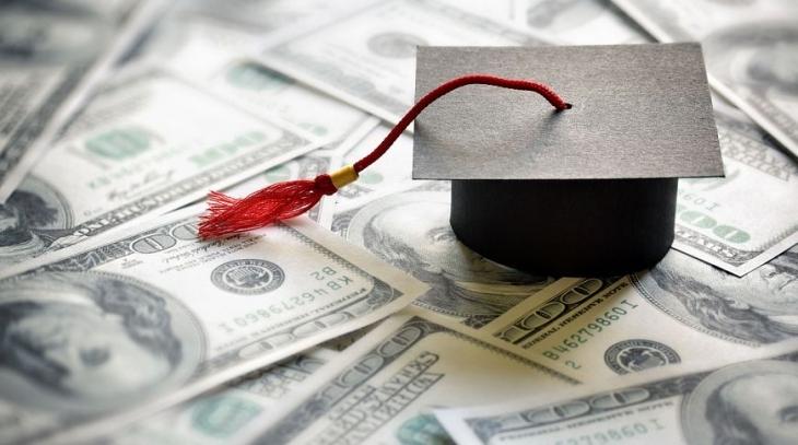 Двоє студентів Прикарпатського університету отримають по 500 доларів одноразової стипендії