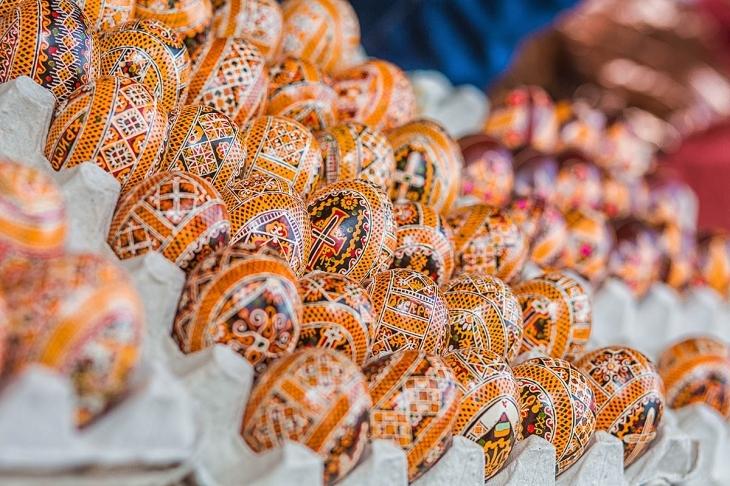 Гуцульський Великдень: як у Брустурах народжуються сирні коники і паски. ФОТО 8