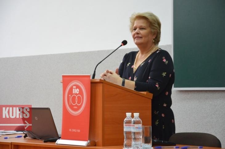 Стипендіати програми Фулбрайта в Івано-Франківську діляться дослідженнями та ідеями 1