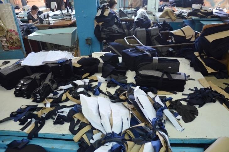 Як їм вдається: франківська фабрика шиє одяг для європейських брендів 2