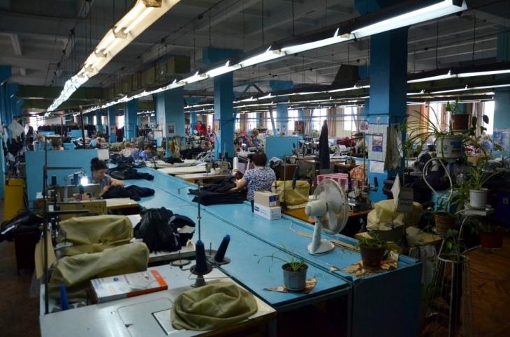 Як їм вдається: франківська фабрика шиє одяг для європейських брендів 16
