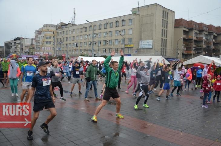 Бігуни з 10 країн вийшли на старт Frankivsk Half Marathon 2017. ФОТО, ВІДЕО 2