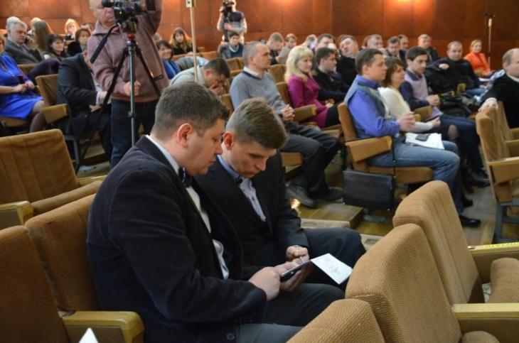 http://kurs.if.ua/media/gallery/full/d/s/dsc_0270_3d8d7.jpg