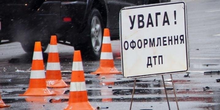 Прикарпатець за кермом вантажівки збив на смерть пішохода на Львівщині
