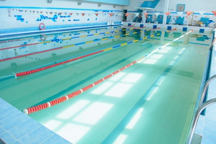 Франківців кличуть у басейн, який після ремонту відновив роботу в ІФНТУНГ