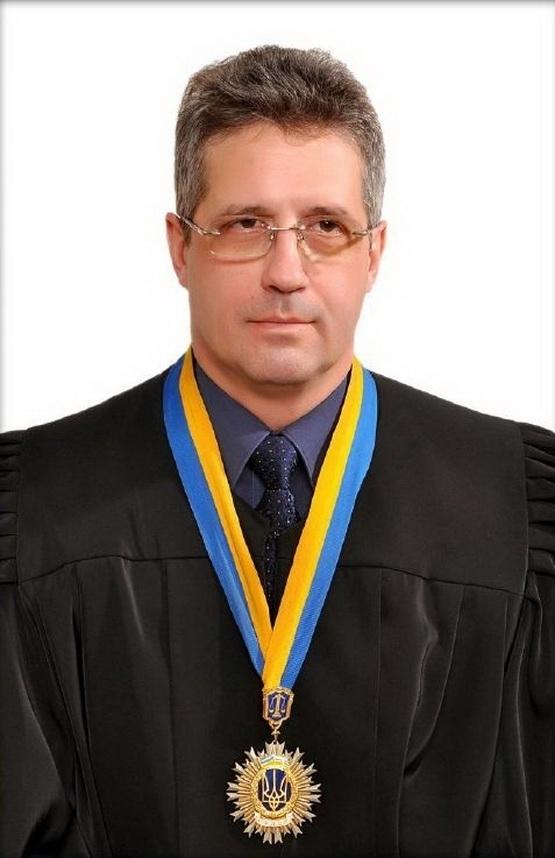Франківського суддю, якого роками судять за смертельну ДТП, відправили у відставку за власним бажанням