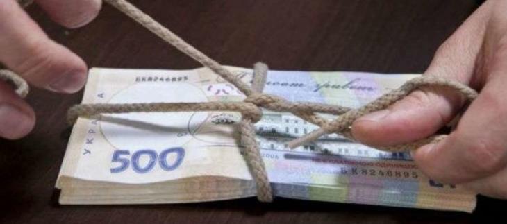 """У Яремчі слідчий взяв 3000 гривень хабара, щоб """"замнути"""" бійку"""