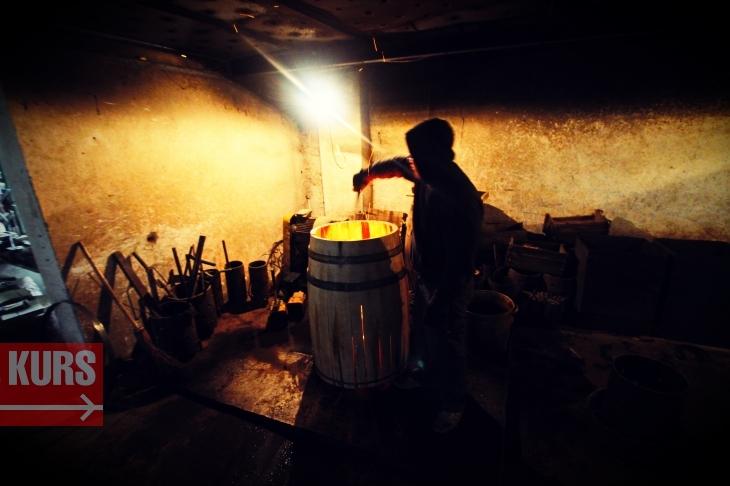 Коли є клепка: у Богородчанах роблять бочки для французького коньяку та шотландського віскі 18