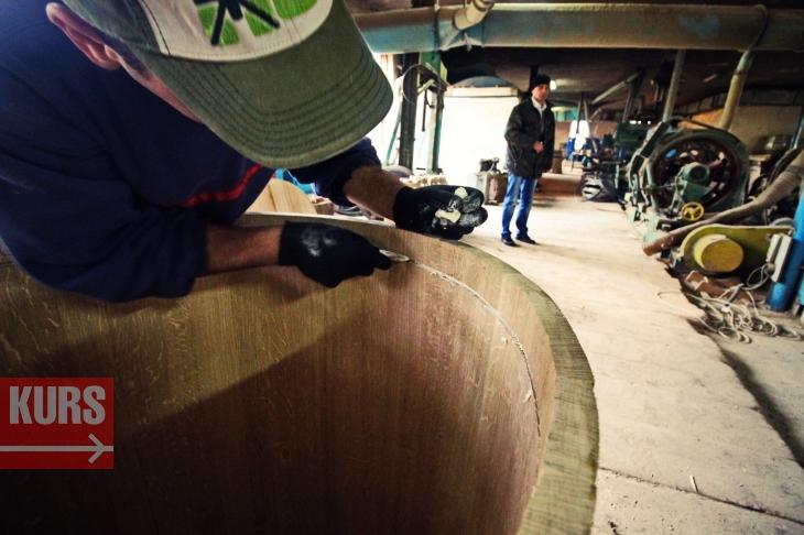 Коли є клепка: у Богородчанах роблять бочки для французького коньяку та шотландського віскі 4