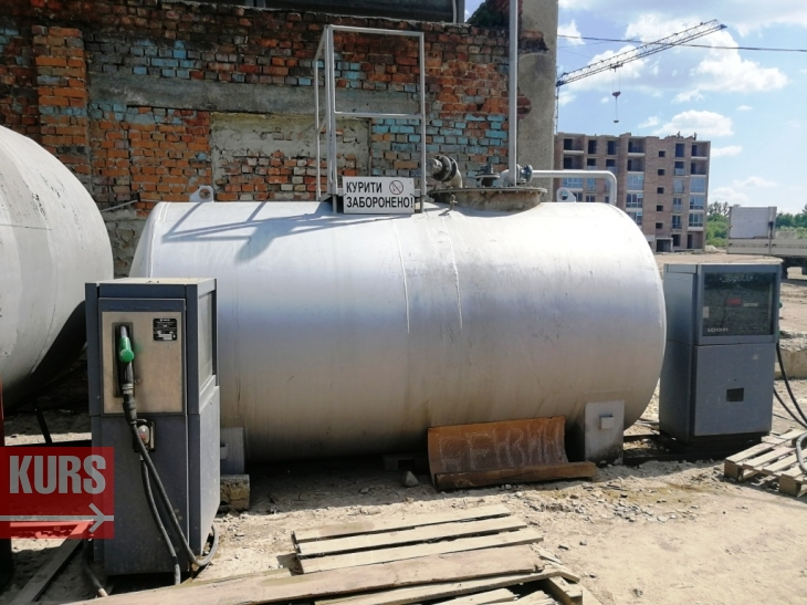 Як працюють нелегальні АЗС в Івано-Франківську, яким міська влада оголосила війну 9