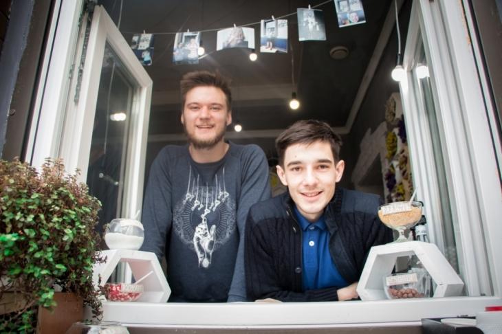 """""""Дайте мені кохання і посипте добром"""": як молоді підприємці відкрили найдобрішу кав'ярню Франківська 2"""