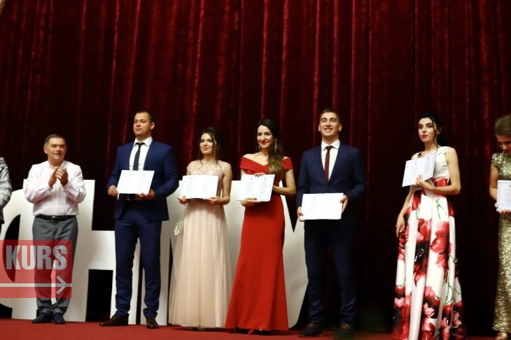 У Франківську отримали дипломи студенти-стоматологи (фоторепортаж)