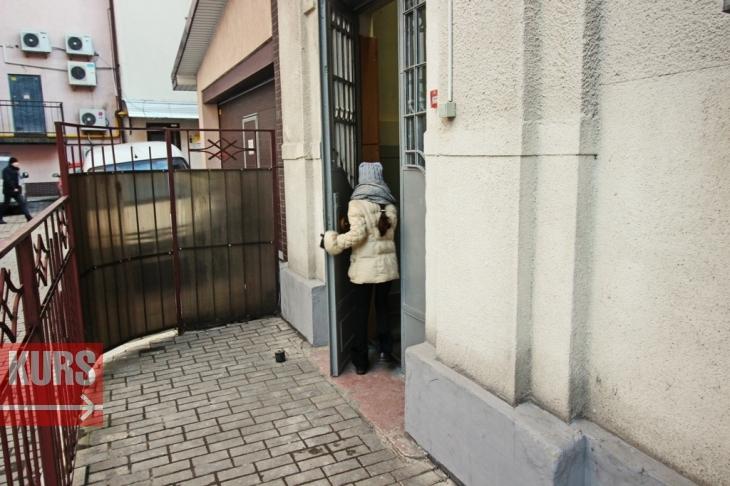 Старовинні двері у музичній школі №2 можуть здати на металобрухт. ФОТО 2