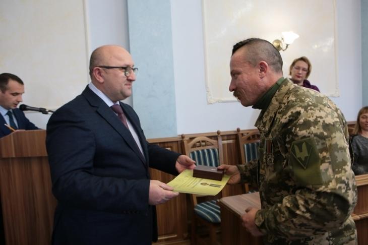 Прикарпатських волонтерів нагородили високими відзнаками (фоторепортаж)