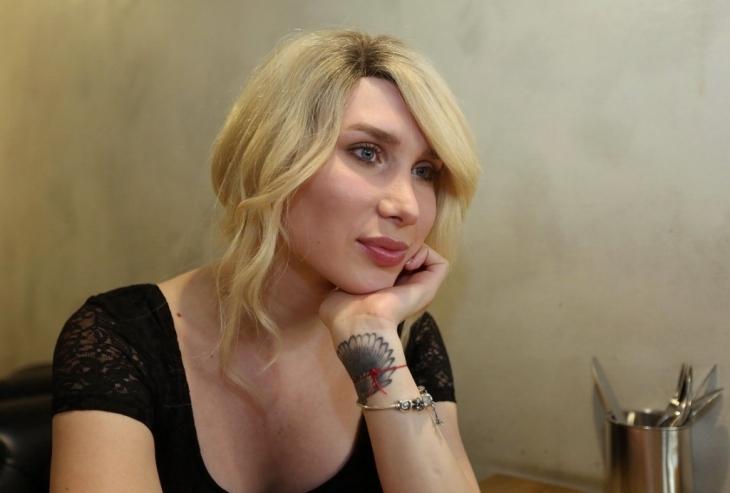 трансгендер Дороніна