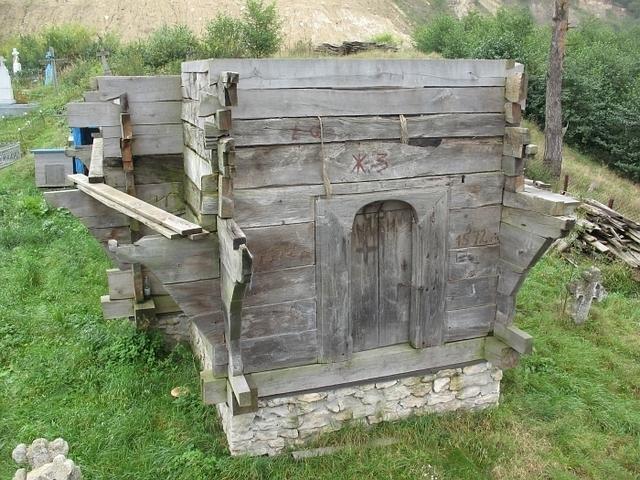 На Прикарпатті візьмуться до реконструкції пам'ятки архітектури XVI-XVII ст. національного значення, яку розібрали в 2007 році. ФОТО 4