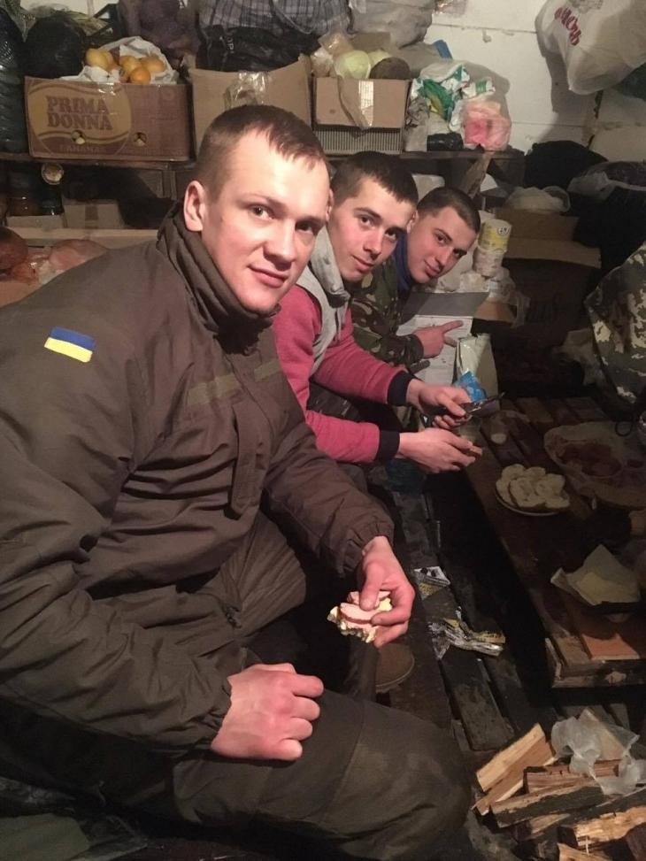 """Депутат міськради, """"укропівець"""" Віталій Мерінов бере участь у блокаді торгівлі з окупантами. ФОТО 1"""