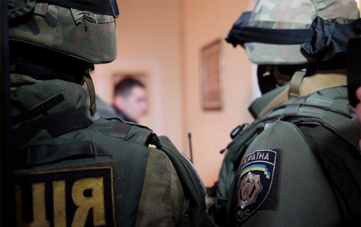 Вилучають документи, починаючи з 2011 року: в офісі обласної Служби автомобільних доріг триває обшук