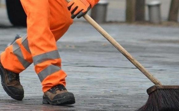 Галицька міська рада в обхід Prozorro закупила прибирання вулиць у свого КП